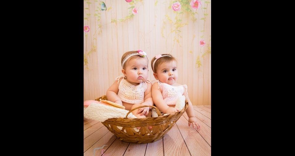 Carla enviou foto das gêmeas Clarissa e Maitê, de 10 meses, de Montes Claros (MG)