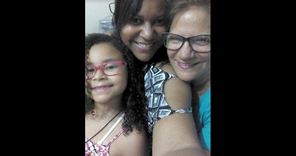 """Estela com a mãe Prudencia e a filha Stellinha: """"Três gerações"""""""