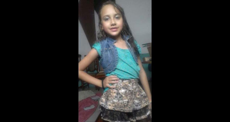 Fabiana enviou foto da filha Emanuely, de nove anos