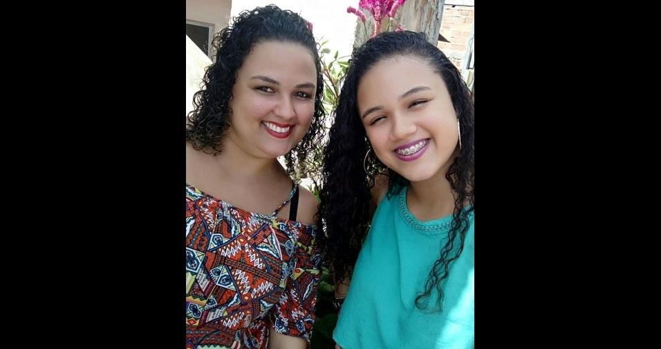 """Laisa Pimentel e sua linda mãe Eline, de Salvador (BA): """"Cara de uma, focinho da outra."""""""