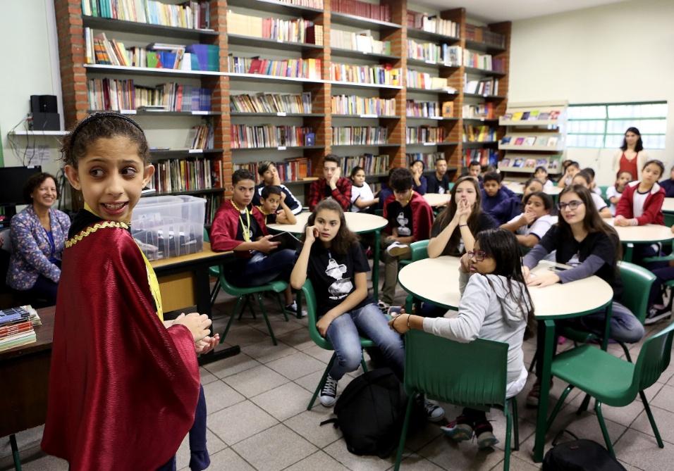 O BOL acompanhou um dia do projeto da Academia Estudantil na EMEF Barão de Mauá, na zona leste de São Paulo. Alunos leram seus poemas e compartilharam informações sobre os amigos literários