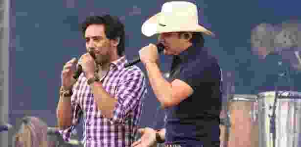Guilherme e Santiago se apresentam em live; shows de hoje têm a presença da música sertaneja - Francisco Cepada/AgNews