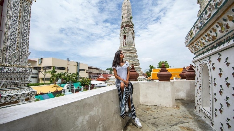 14.jun.2017 - Aline Riscado publicou foto tirada em Wat Arun, o templo do amanhecer, em Bangkok, capital da Tailândia