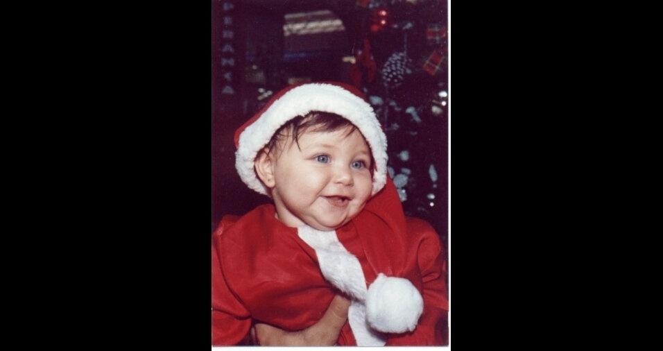 Alexandre Bovolini enviou foto da mamãe Noel mais fofa, sua filha, a pequena Gabriela
