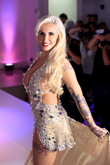 9.nov.2015 - Sabrina Boing Boing, representante do Rio Grande do Sul, desfila na passarela do Miss Bumbum 2015
