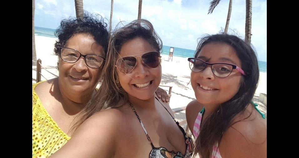 """Gisele Gomes, de Guarulhos (SP), agradece à mãe Nice, que a ensinou a ser a mãe da Isabelli: """"Obrigada por sempre ser uma mãe exemplar e me ensinar a ser um exemplo para minha filha!"""""""