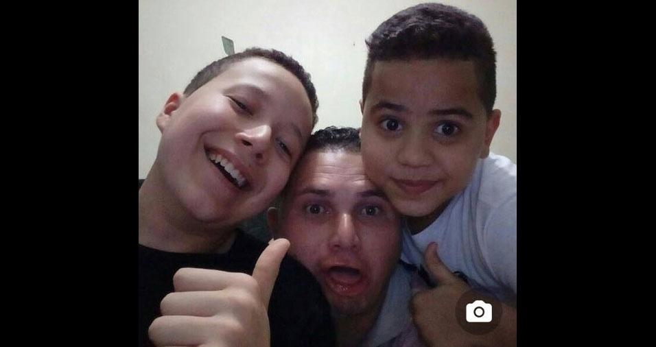 Vinicius e Danilo com o paizão Dario, de Guarulhos (SP)