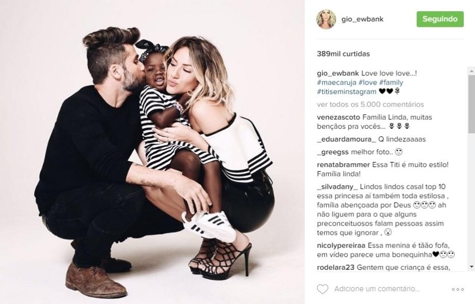 28.out.2016 - Os fãs se derretem com as imagens de Titi nas redes sociais de Giovanna Ewbank e Bruno Gagliasso, pais da pequena. A mamãe postou essa imagem cheia de amor na web e os internautas deixaram palavras de carinho à família:
