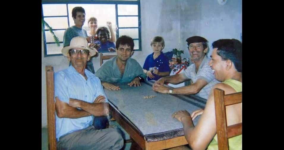 Olacir Ferreira, de Divinópolis (MG), conta que tinha 28 anos e que, todos os finais de semana se reunia com a família para o almoço e para uma partida de truco