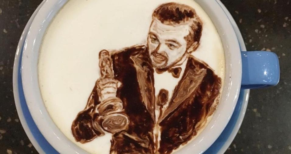 51. Leonardo DiCaprio ganhando o Oscar com certeza é merecedor de seu desenho em uma xícara