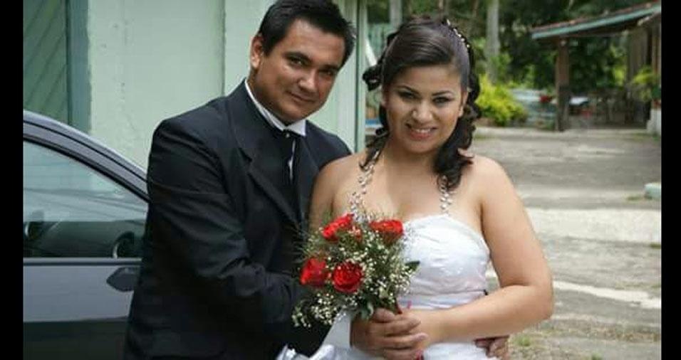 Marcos Lemes e Amanda Dayse P. Lemes comemoraram seu casamento em um sítio em Monteiro Lobato (SP), em 26 de novembro de 2011