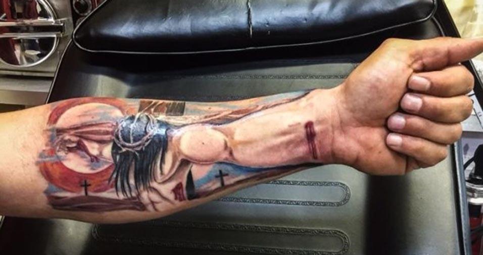 Preferência Nova moda da tatuagem é fazer um efeito 3D unindo a mão ao desenho  JP94