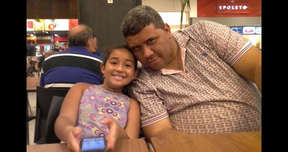 Meu nome é Maria Clara com o pai Leandro, de Duque de Caxias (RJ)