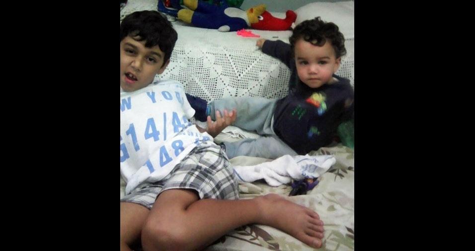 """""""Quero homenagear meus filhos Ben e Ian"""", diz a mamãe Adriana Gama Rodrigues: """"Amo vocês!"""""""