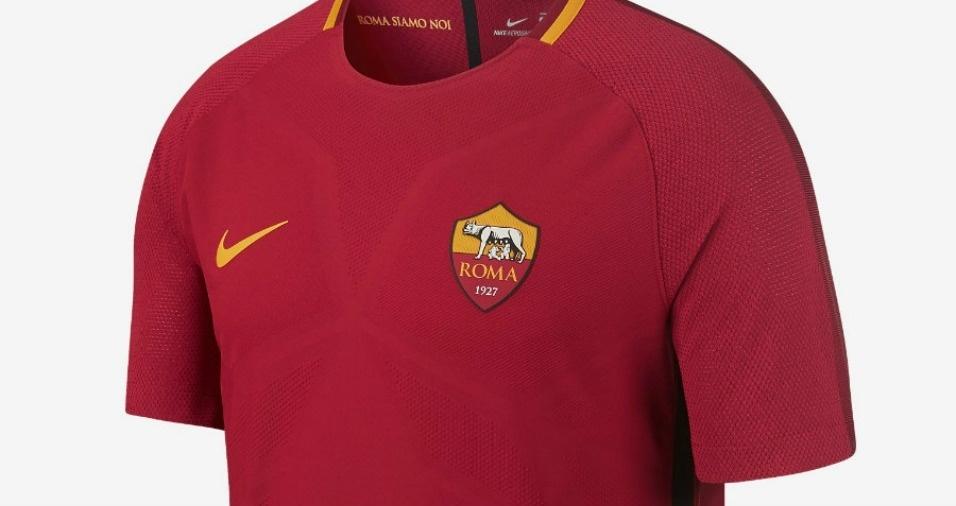17. Roma - Os romanos deixaram o tom grená dominar totalmente em sua nova roupa