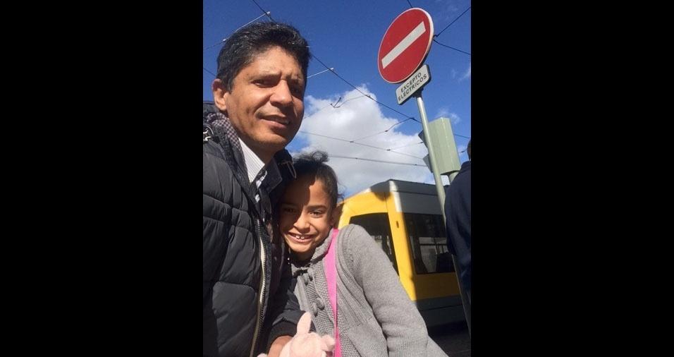 Maria Clara com o pai Ivan Guimarães, de Salvador (BA)