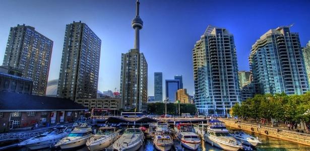 A cidade de Toronto, no Canadá: centro de atração de estrangeiros