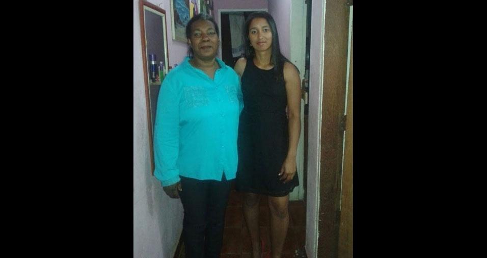"""Katrine Kaina Teixeira de Oliveira com a mãe Sônia Elisa, de Santa Bárbara d'Oeste (SP): """"Minha admiração por ela ser uma guerreira"""""""