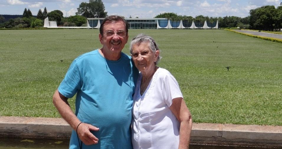 Odair com a mamãe Noré Ana, de Gastão Vidigal (SP)