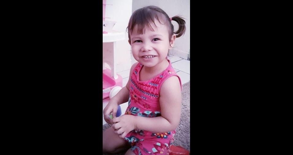 Luiza Helena é a filha da Adriana Ferreira Lemes, de dois anos. Elas moram em  Caçapava (SP)