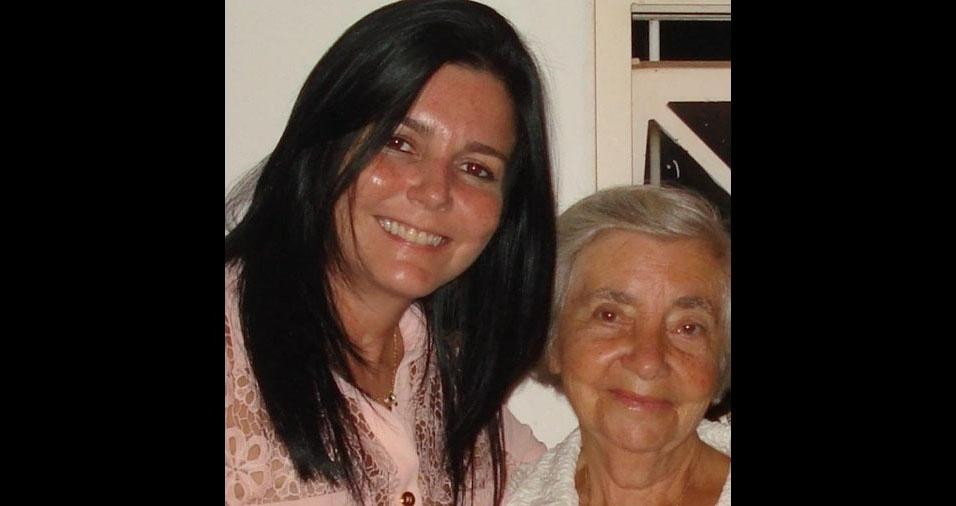"""Luciene Hernandes é filha da Lays B. Hernandes, de Santos (SP), e manda seu recado: """"Amoooo demais a minha mãe!"""""""
