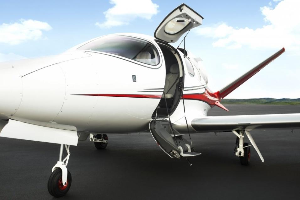 30.mai.2017 - Cabine do Cirrus Vision Jet tem altura de 1,24 m e 1,56 m de largura