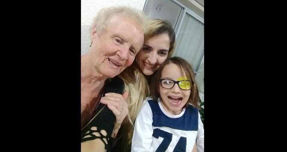 Nonna Giuseppina com a neta Taís e o bisneto Bernardo, de São Paulo (SP)