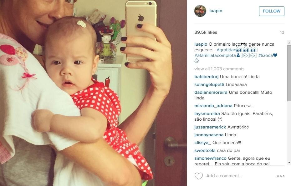 21.jan.2016 - Esta é a princesinha Liz em foto com a mamãe, a atriz Luana Piovani.