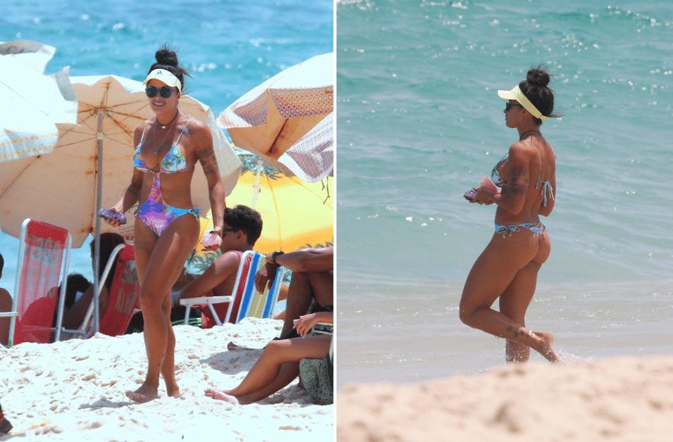 """12.jan.2017 - Aline Riscado foi clicada curtindo o calor na praia da Macumba, no Rio de Janeiro. Com um maiô recortado, a """"verão"""" exibiu o corpão que a tornou famosa no país"""