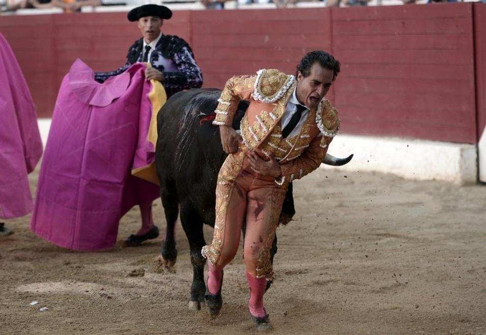 18.jun.2017 - O toureiro espanhol Ivan Fandiño morreu neste sábado (17) depois de ter sido chifrado em uma tourada em Aire-sur-l'Adour, na França
