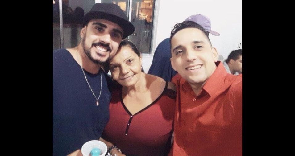 José Marçal e Juscelino Pereira com a mamãe Jovita Avelina Pereira, de São Paulo (SP)