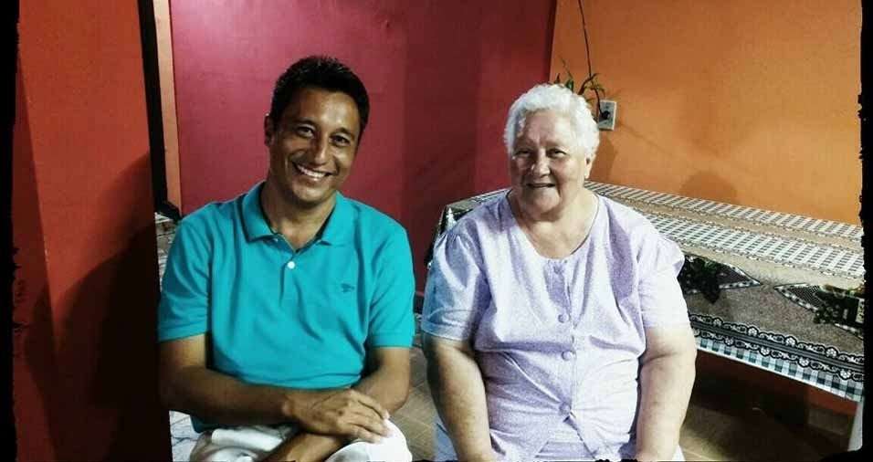 Gláucio com a vovó Nina, de Santo Antônio de Posse (SP)