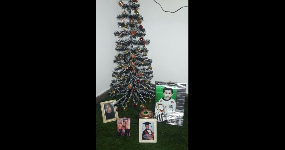 Andressa Saito, de São Paulo (SP), enviou foto da família Saito: Bruna, Victor, Fábio e Johnata