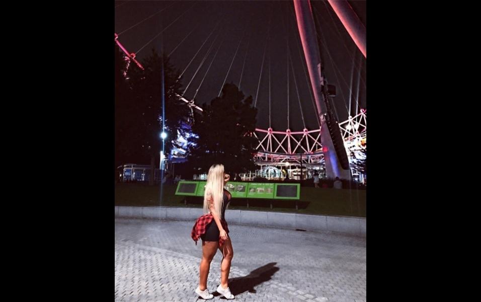 18.jul.2017 - Em outra foto, Leticia posa na London Eye, roda-gigante que se tornou um dos principais pontos turísticos de Londres
