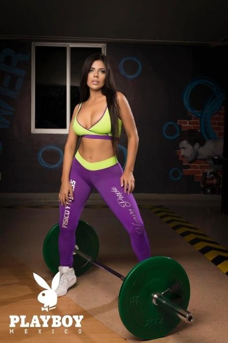 """25.jul.2016 - O ensaio de Suzy Cortez, a Miss Bumbum 2015, para a revista Playboy do México terá como tema os Jogos Olímpicos do Rio de Janeiro. Por conta disso, a beldade aparece """"praticando"""" diversas modalidades de esporte em poses bem quentes"""