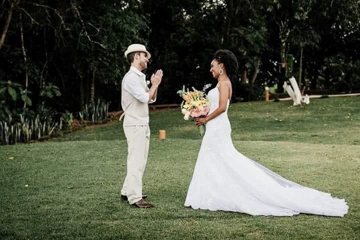 """Peter Ferreira e Natália Castro, de Betim (MG), em 21 de maio de 2017 - """"Gostaria de fazer esta homenagem à minha amada esposa, pois este mês fazemos um ano de casados!"""""""