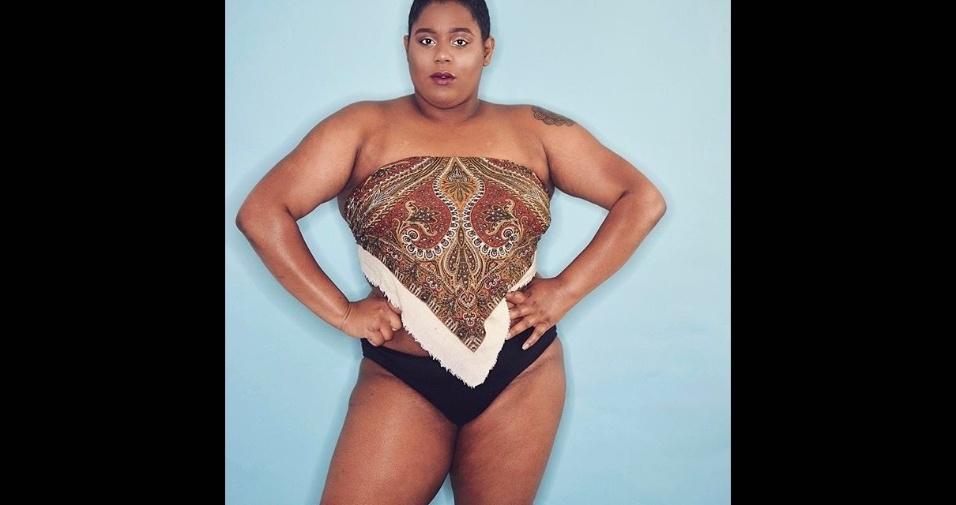 18.abr.2017 - A blogueira mostra, com imagens de lingerie, a beleza da mulher real, sem retoques