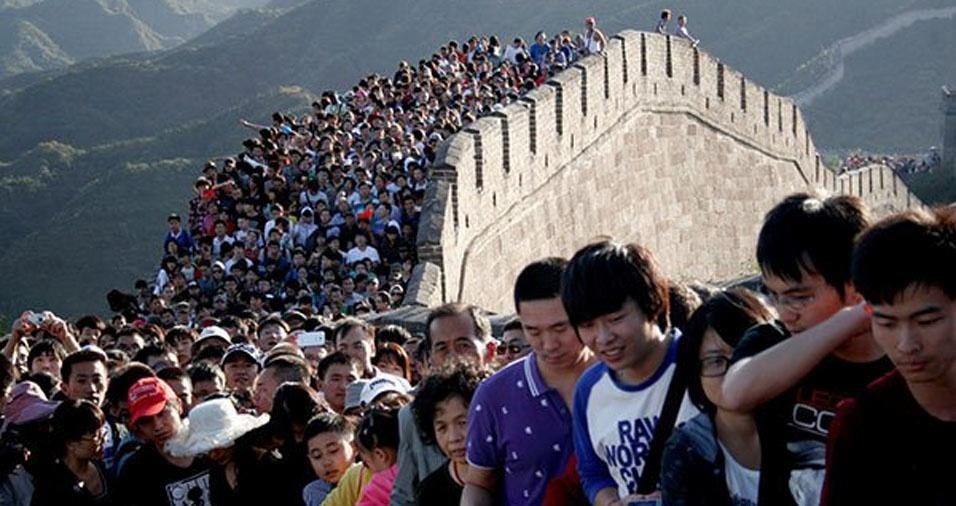 23. Visitantes na Muralha da China