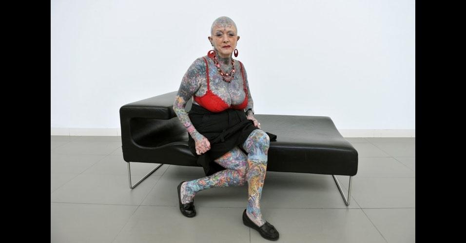 59. Isobel Varley manteve o recorde de idosa mais tatuada do mundo até 11/5/2015, quando morreu, na Espanha, aos 78 anos. A categoria foi retirada do Guinness depois disso.