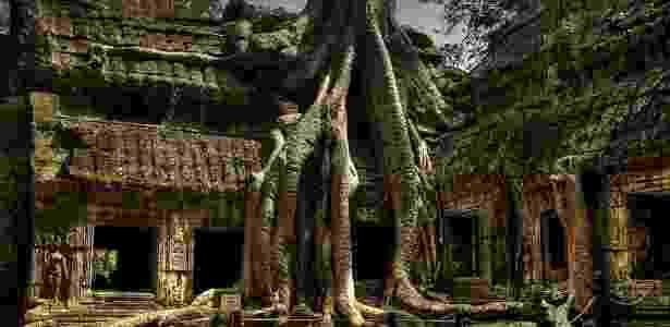 Árvores e raízes ocuparam o templo Ta Prohm no Camboja - Reprodução/Matador Network - Reprodução/Matador Network