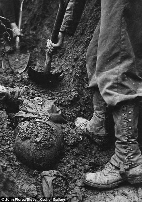Imagem feita em La Gleize, na Bélgica, em dezembro 1944
