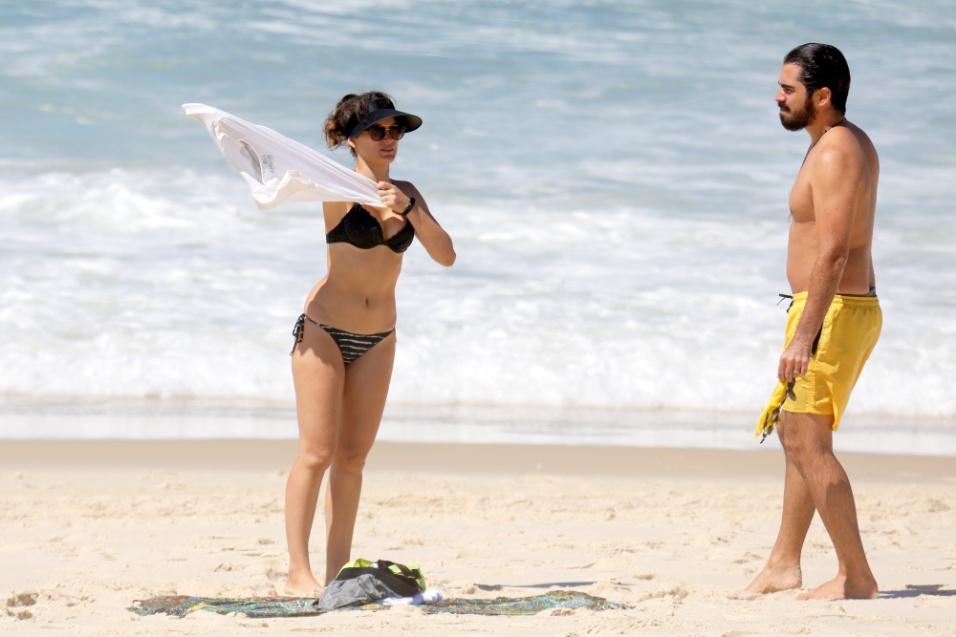 """17.mar.2017 - A atriz de 26 anos se casou aos 21 com Pedro Brandão, com quem contracenou em """"Êta Mundo Bom"""""""