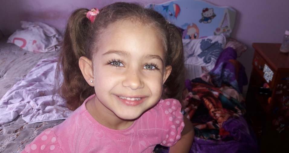 A mãe Ana Paula, de Osasco (SP), enviou foto da filha Emanuelle