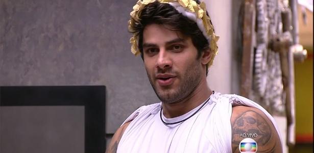 Renan enfrenta Ronan e Geralda no paredão - Reprodução/TV GloboReprodução/TV Globo