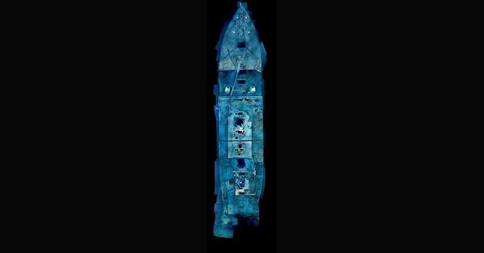 14.abr.2012 - Exatamente 100 anos após o naufrágio do Titanic, a revista National Geographic e uma equipe de pesquisadores revelaram novas imagens da embarcação. As fotos mostram uma espécie de radiografia do navio, que ainda repousa no fundo do mar. O naufrágio do Titanic está localizado a cerca de 600 km ao sudeste da costa de Newfoundland, em uma profundidade de cerca de 3.800 m, no Oceano Atlântico. O navio está separado em duas partes, distantes uma da outra, sendo que a proa (parte da frente) está inclinada para baixo e enterrada na lama do mar e a popa (parte do fundo) está bastante danificada