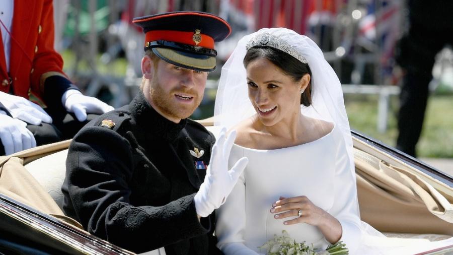 Harry e Meghan acenam para multidão após o casamento real em Windsor - Jeff J Mitchell/Pool via REUTERS