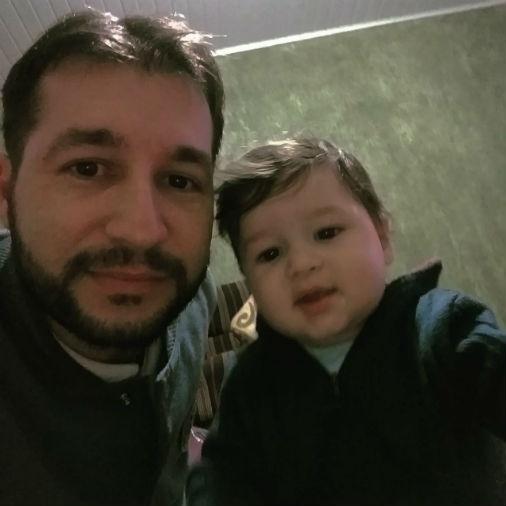 """Vagner Nascimento com o filho Caio Augusto, de Capão Bonito (SP): """"Amo muito esse gorduchinho"""""""