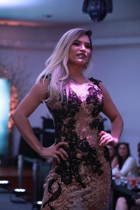 5.nov.2017 - Musa do Amapá, Raquel Sales desfila para convidados e jurados em noite de final do Musa do Brasil, em São Paulo