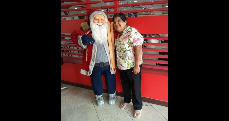 Angela visitando a decoração de Natal de Mairiporã (SP)
