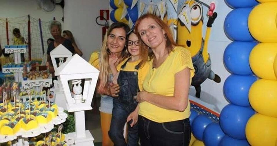"""Taís é a mamãe do Bernardo e filha da Rosangela: """"Muito amor e alegria nesse trio"""""""